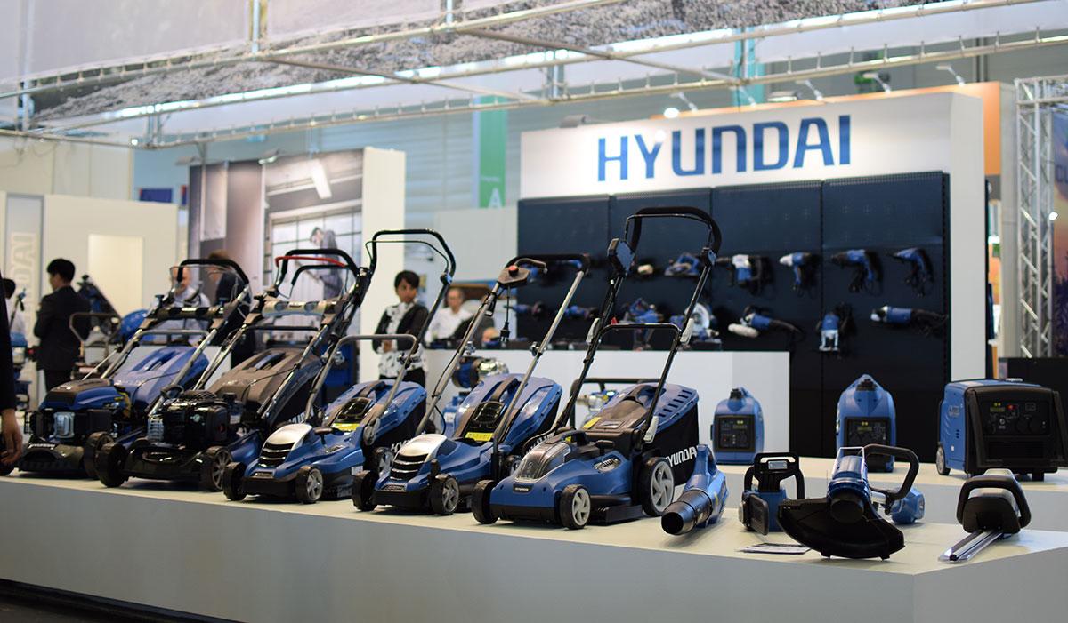 Hyundai Power España presentando las novedades del 2019 en Spoga gafa Alemania
